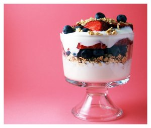 fruit_and_yogurt_parfait_by_cb_smizzle
